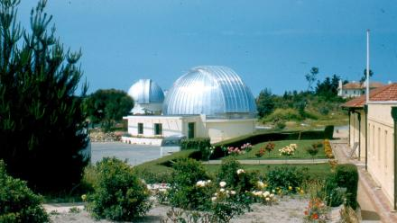 Great Melbourne Telescope and rear of CSO, 1960s (Mt Stromlo Archives))