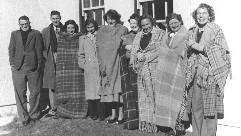 Freezing Stromlo Staff during winter coal strike, 1940s (Beryl Hall Collection, Mt Stromlo Archives)