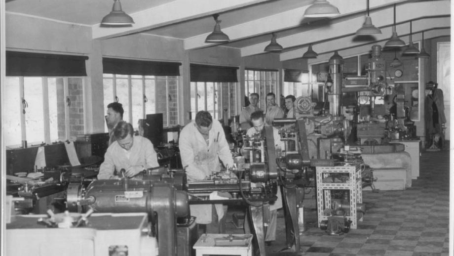 Mechanical workshop, 1950s (Norman Banham Collection, Mt Stromlo Archives)