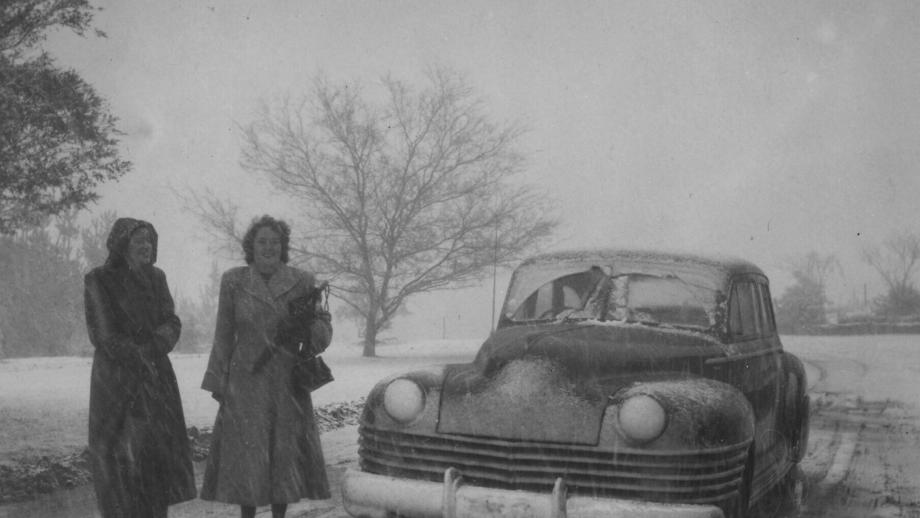 Snow at Stromlo, 1950s (Wehner Collection, Mt Stromlo Archives)