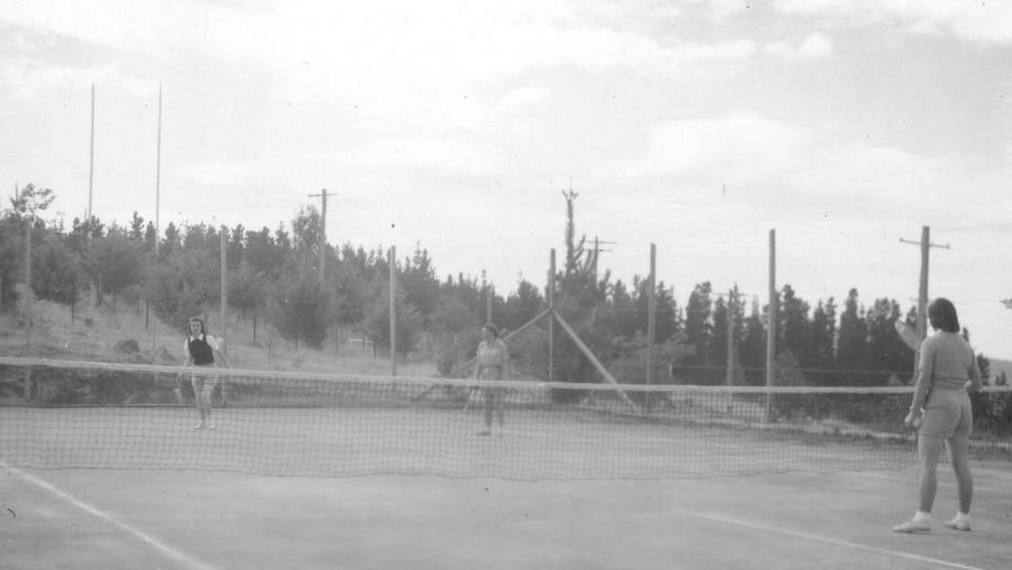 Social Tennis Match, 1950s (Wehner Collection, Mt Stromlo Archives)