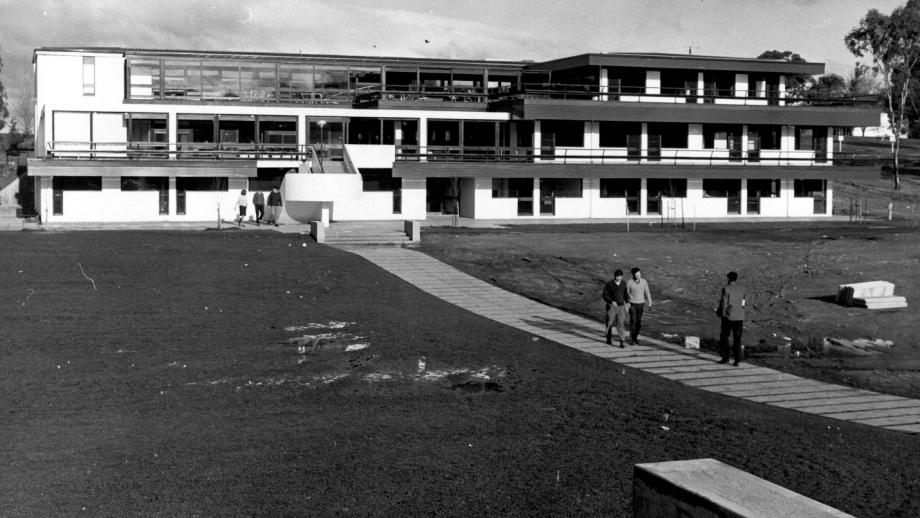 Student Union building and the Chifley Meadow, c.1960s. (ANU Archives)