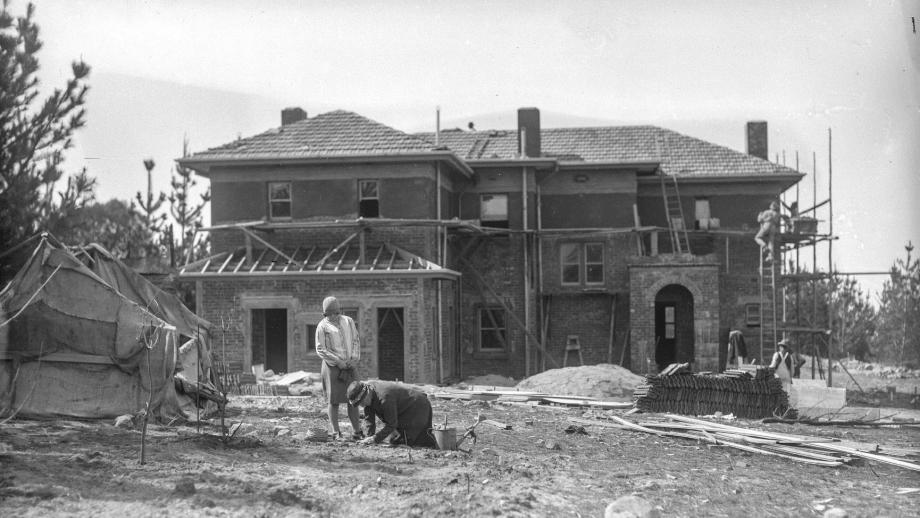 Joan and Doris Duffield gardening during the construction of the Director's Residence 1927/28 (Duffield Family)