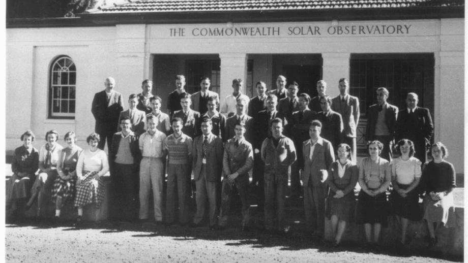 Stromlo Observatory staff, 1950s (Mt Stromlo Archives)